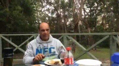 Como te descuides cualquier pájaro te quita el desayuno