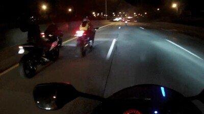 Enlace a De las escenas más peligrosas que puedes ver en la carretera