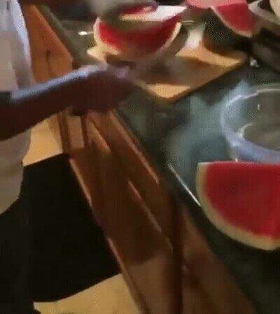 Cuando eres un samurai en el arte de cortar sandía