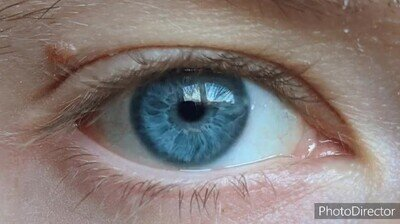 Enlace a Mirar a los ojos de algunas personas es como mirar el mar