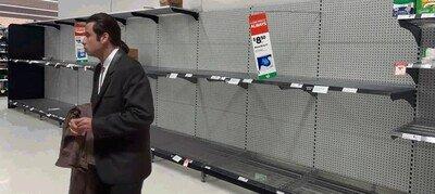 Enlace a Las estanterías de los centros comerciales estos días