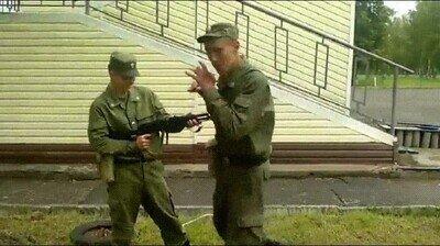 Enlace a Desarmando a una persona con fusil solo con las piernas