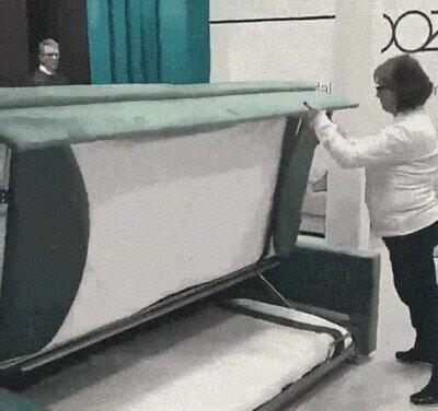 Enlace a Un sofá que que convierte en litera en segundos
