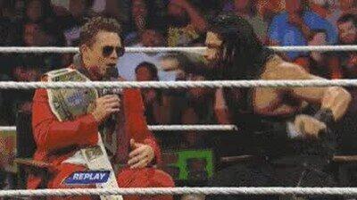 Enlace a Y luego dirán que la WWE es todo teatro. Le ha bajado la persiana