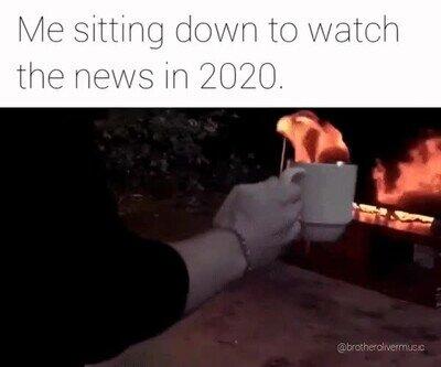 Enlace a Yo sentándome a ver las noticias en 2020