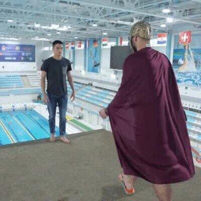 Enlace a Esto es Esparta en la piscina