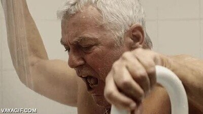 Enlace a Cuando te estás duchando y justo alguien se pone a lavar platos con el agua fría