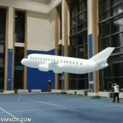 Este ha sido el ganador de un torneo de aviones de papel