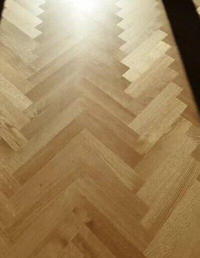 Enlace a Este suelo cambia de color dependiendo del ángulo desde donde lo mires