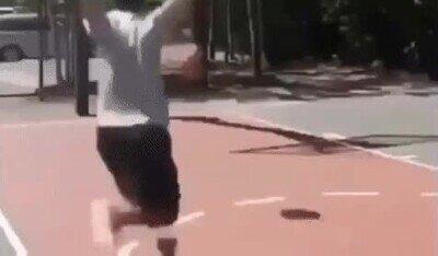 Enlace a Ser jugador de basket es más peligroso de lo que la gente se cree