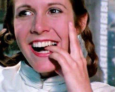 Enlace a No hay nada más adorable que Carrie Fisher en El Imperio Contraataca