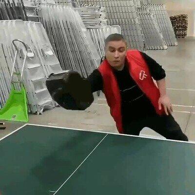 Enlace a La batalla de ping pong definitiva