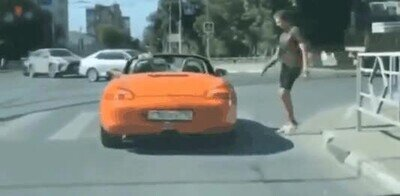 Qué hacer cuando un capuIIo te bloquea el paso de peatones