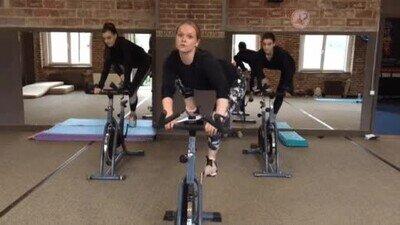Enlace a La prueba de que es posible hacer bici y gimnasia a la vez