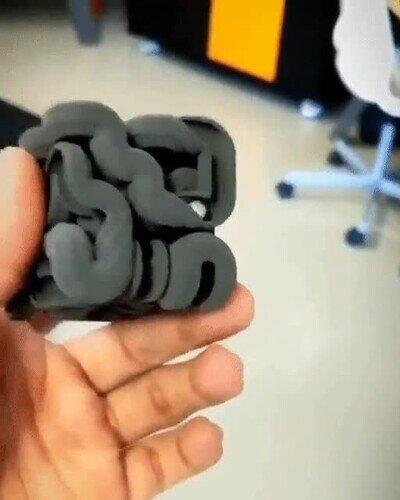 Enlace a Un cubo creado con una impresora 3D