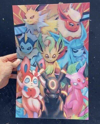 Enlace a Las transformaciones de Eevee en un póster 3D lenticular