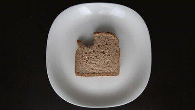 Enlace a Estás viendo desayunar al hombre invisible