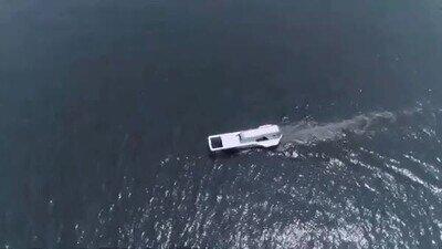 Enlace a Alguien ha diseñado un barco que parece una cremallera