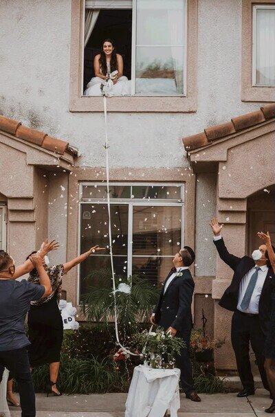 Enlace a Así se celebran las bodas en tiempos de coronavirus