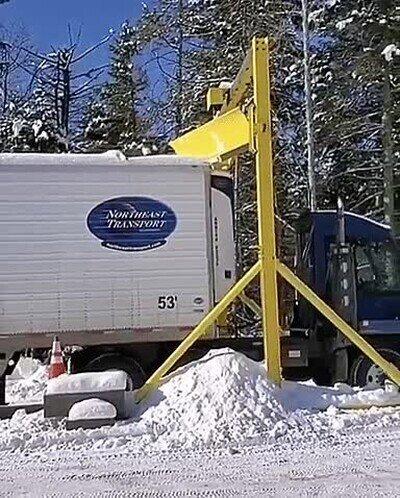 Enlace a Truco para limpiar de nieve el techo de un camión