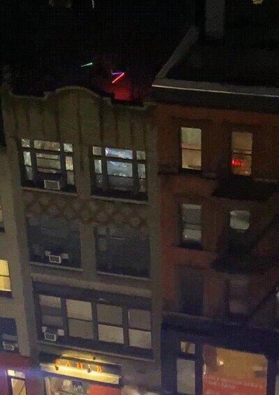 Enlace a La batalla más épica de Star Wars ha tenido lugar en el tejado de un edificio cualquiera