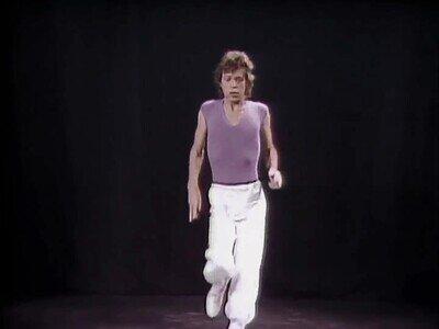 Enlace a Un boomer haciendo bailes en tiktok