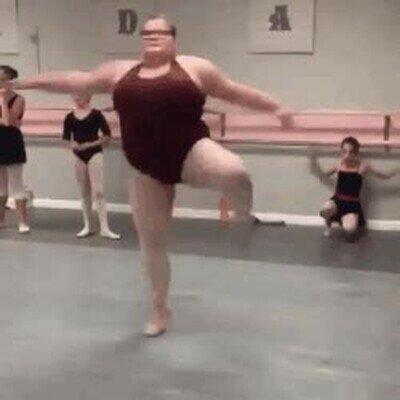 Enlace a Es mejor bailarina de lo que tu serás jamás