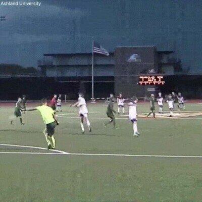 Enlace a El típico gol que se ve en categorías inferiores