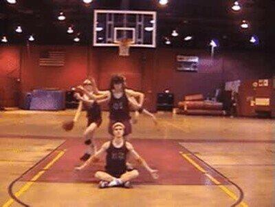 Enlace a El covid ha afectado a los partidos de basket