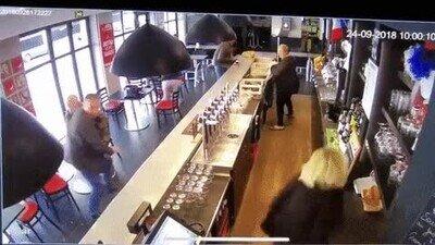 Enlace a En un bar nunca te aburres
