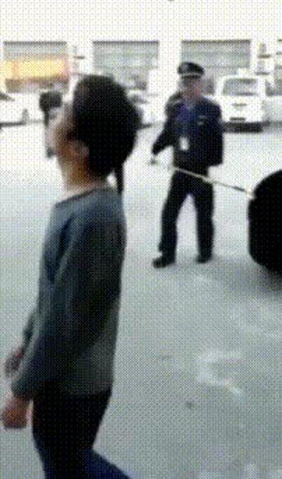 Enlace a La policía de Beijing no es demasiado discreta