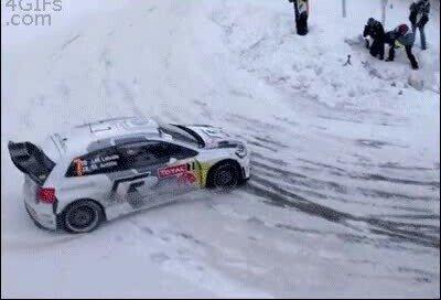 Enlace a Es una pasada cómo conducen los conductores de este tipo de rallys
