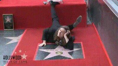 Enlace a Cuando por fin te dan una estrella en el salón de la fama