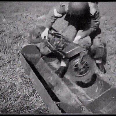 Enlace a Una moto plegable que utilizaban en la Segunda Guerra Mundial