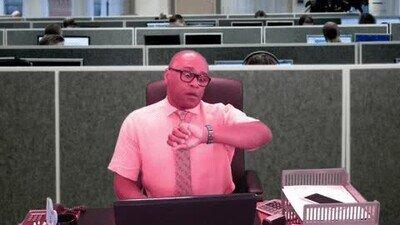 Enlace a Cuando miras el reloj y todavía quedan 4h para salir de la oficina