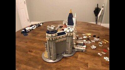 Enlace a Una genial animación de un castillo LEGO de Disney