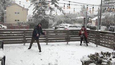 Enlace a Mejor esconde la cámara cuando haya una batalla con bolas de nieve