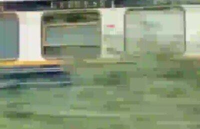 Enlace a  La peligrosa escena que Tom Cruise rodó sobre un tren en marcha para 'Misión imposible 7'