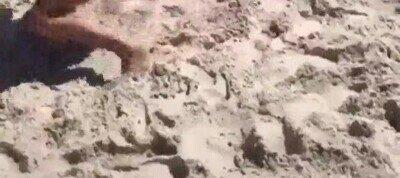 Enlace a Así se divierten los chavales en la playa