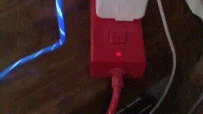 Enlace a El cable más espectacular para cargar tu teléfono