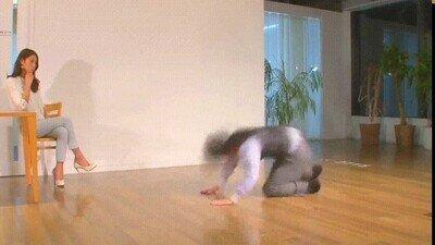 Enlace a Haciendo breakdance para pedir perdón