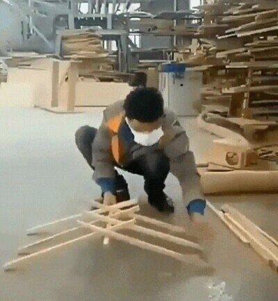 Así se hace un puente estable solo con palos de madera