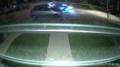 Enlace a La cámara de mi casa ha captado un coche salido de Tron