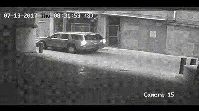 Enlace a El mayor susto que puedes llevarte mientras aparcas el coche