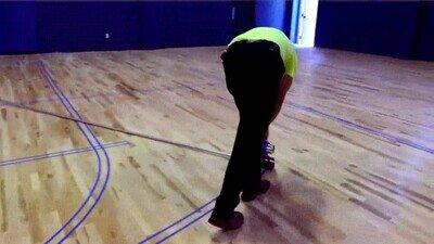 Enlace a Así se pintan todas las líneas de una pista de baloncesta