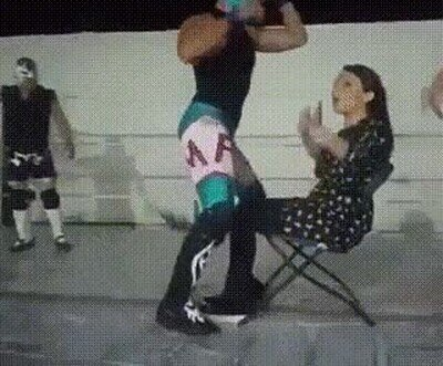 Enlace a Cuando el otro luchador se pone a perrear con tu novia