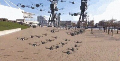 Enlace a 56 drones volando en formación