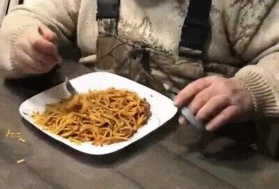 Enlace a Truco para comer spaghettis de forma cómoda