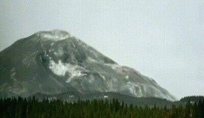 Enlace a El 18 de mayo de 1980, Mount St. Helens experimentó una erupción catastrófica y mortal, que provocó el mayor deslizamiento de tierra jamás registrado