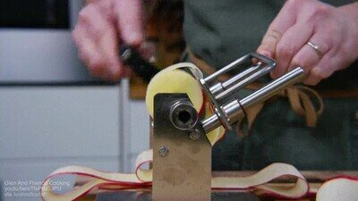 Enlace a Así se preparan las tiras de manzana para una  tarta Tatin